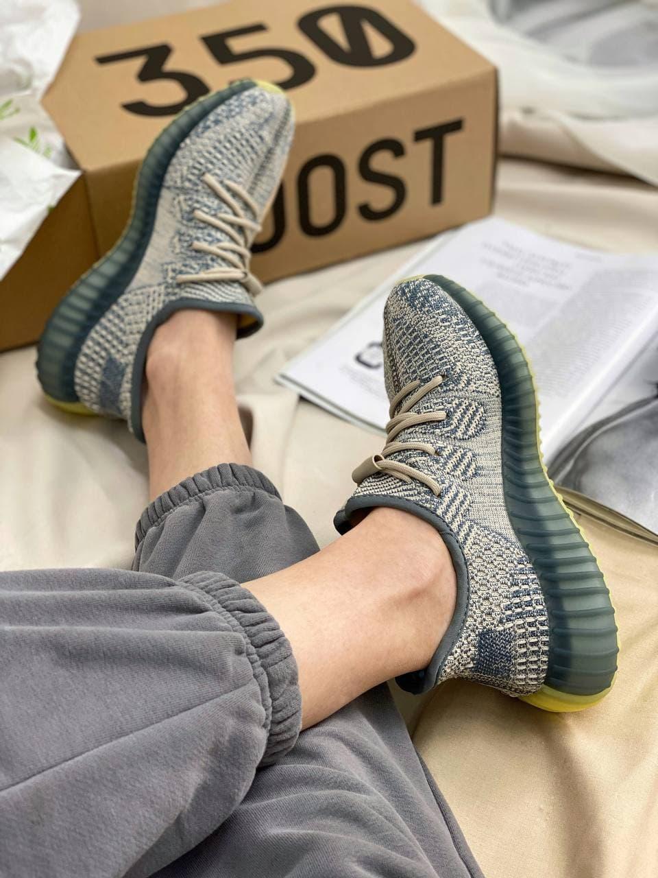 Жіночі кросівки Yeezy Boost 350 V2 Israfil