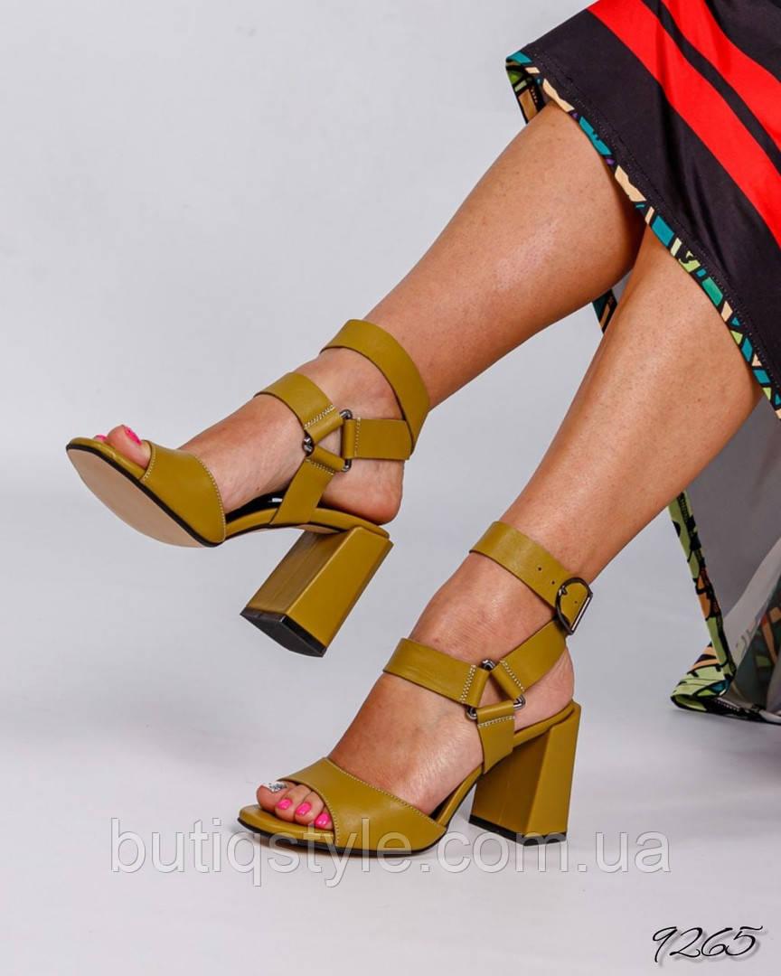 Женские босоножки горчица натуральная кожа на каблуке