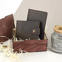 Подарочный набор мужской Handycover №47 (коричневый) кошелек и обложка на паспорт в коробке