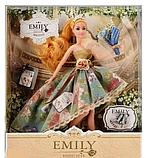 Шарнірна лялька Emily в пишній сукні з довгими світлими волоссям букетом і аксесуарами в коробці, Емілі, фото 2