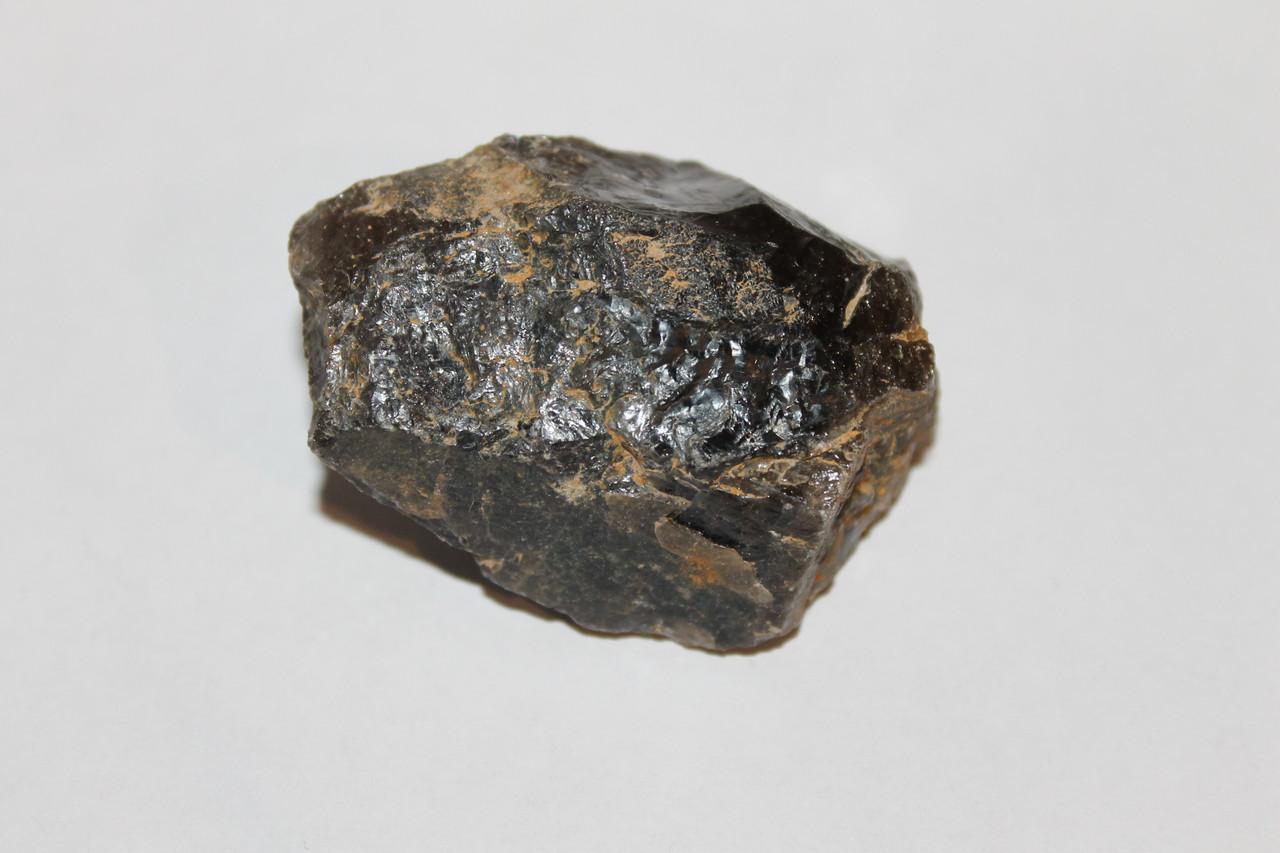 Раух-топаз камень 52*40*32 мм. натуральный дымчатый кварц