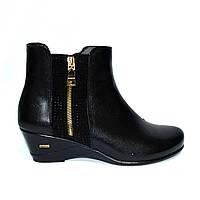 Женские ботинки на невысокой танкетке, натуральная черная кожа, фото 1