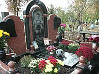 Памятник гранитный с гравировкой