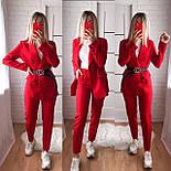 Жіночий стильний брючний костюм з жакетом і брюками в кольорах (Норма), фото 5