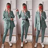 Жіночий стильний брючний костюм з жакетом і брюками в кольорах (Норма), фото 8