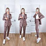 Стильний жіночий брючний костюм з жакетом і брюками 17 забарвлень (Норма), фото 4