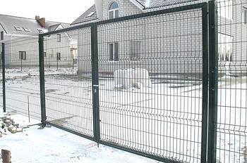 Ворота распашные, зашивка сетка