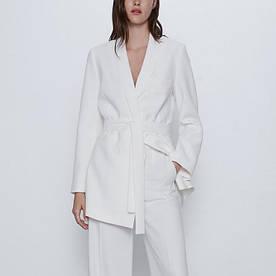 Блейзер женский с поясом Caress, белый Berni Fashion (S)