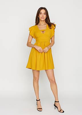 Коротке літнє гірчичне сукні з воланами на плечах