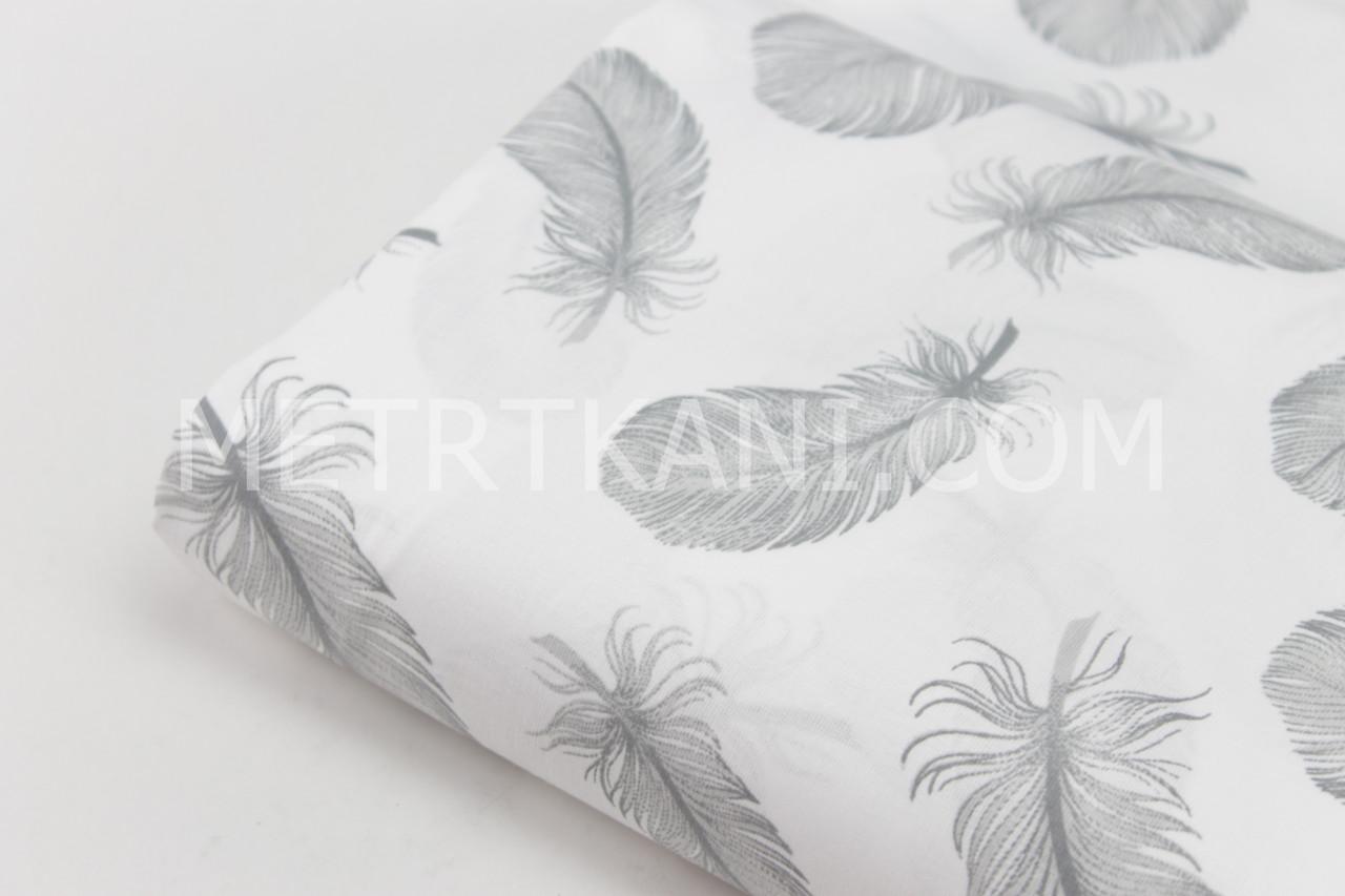 """Клаптик. Бавовняна тканина """"Пір'я"""" сірі на білому тлі , 77*110 см"""