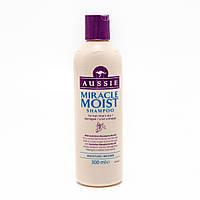 Шампунь для сухих и поврежденных волос Aussie Miracle Moist с маслом макадамии 300 мл., фото 1