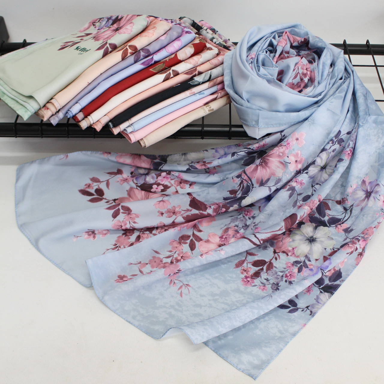 """Жіночий шарф палантин Softel """"Ніколь"""" 110012"""