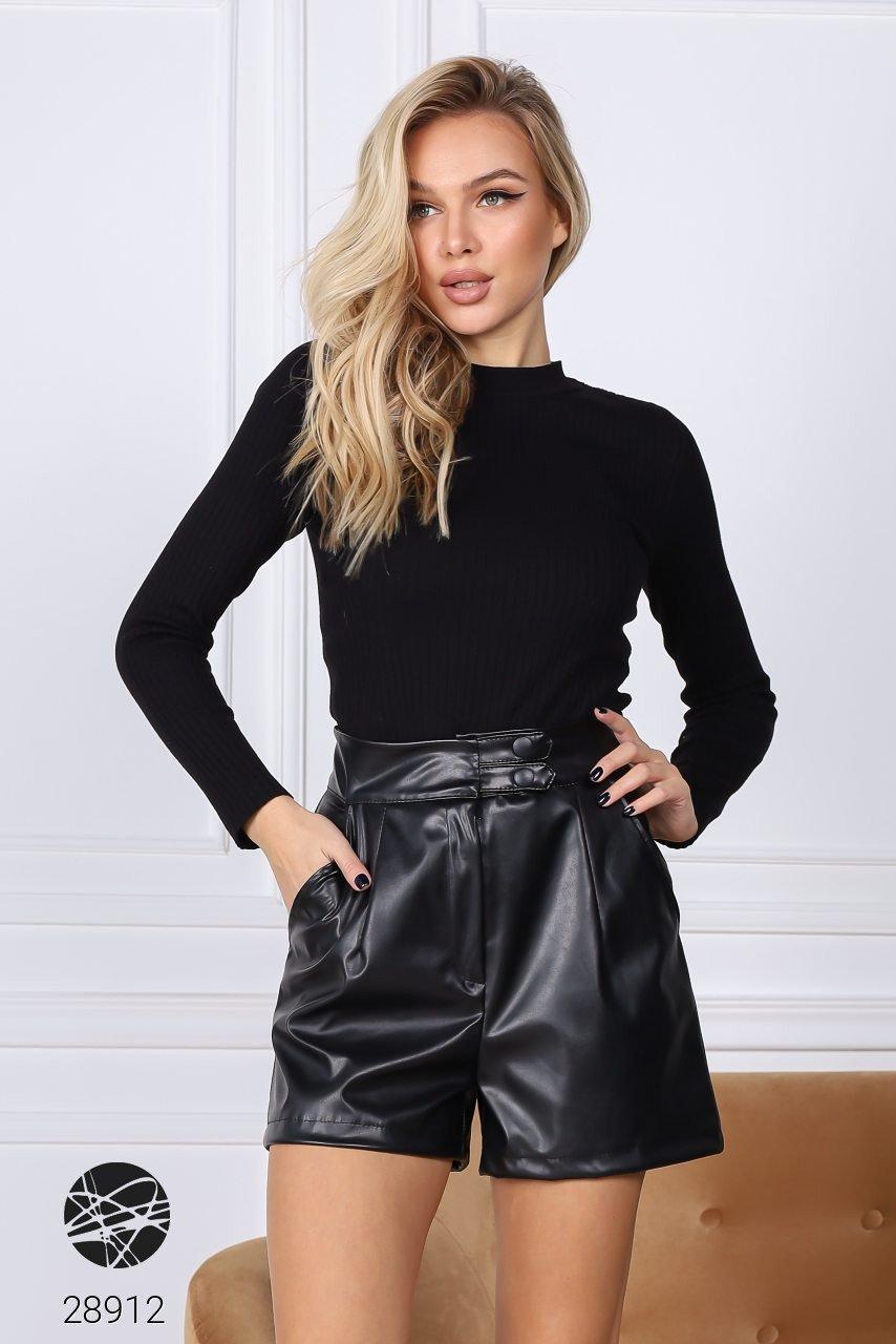 Жіночі шорти з екошкіри чорного кольору. Модель 28912. Розміри 42-48