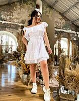 Женское белое платье из прошвы с открытыми плечами свободного кроя до 56 размера