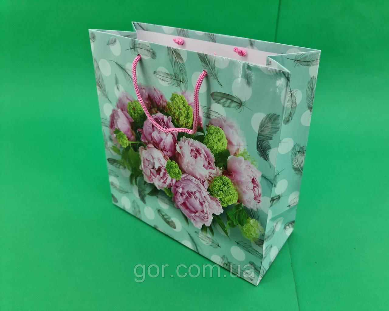 Пакет подарунковий паперовий квадратний и 23*24*10(артKV-042) (12 шт)