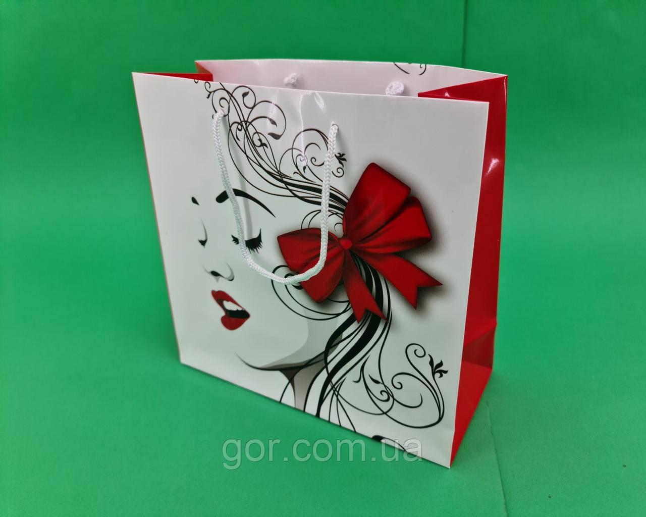 Пакет подарунковий паперовий квадратний и 23*24*10(артKV-019) (12 шт)
