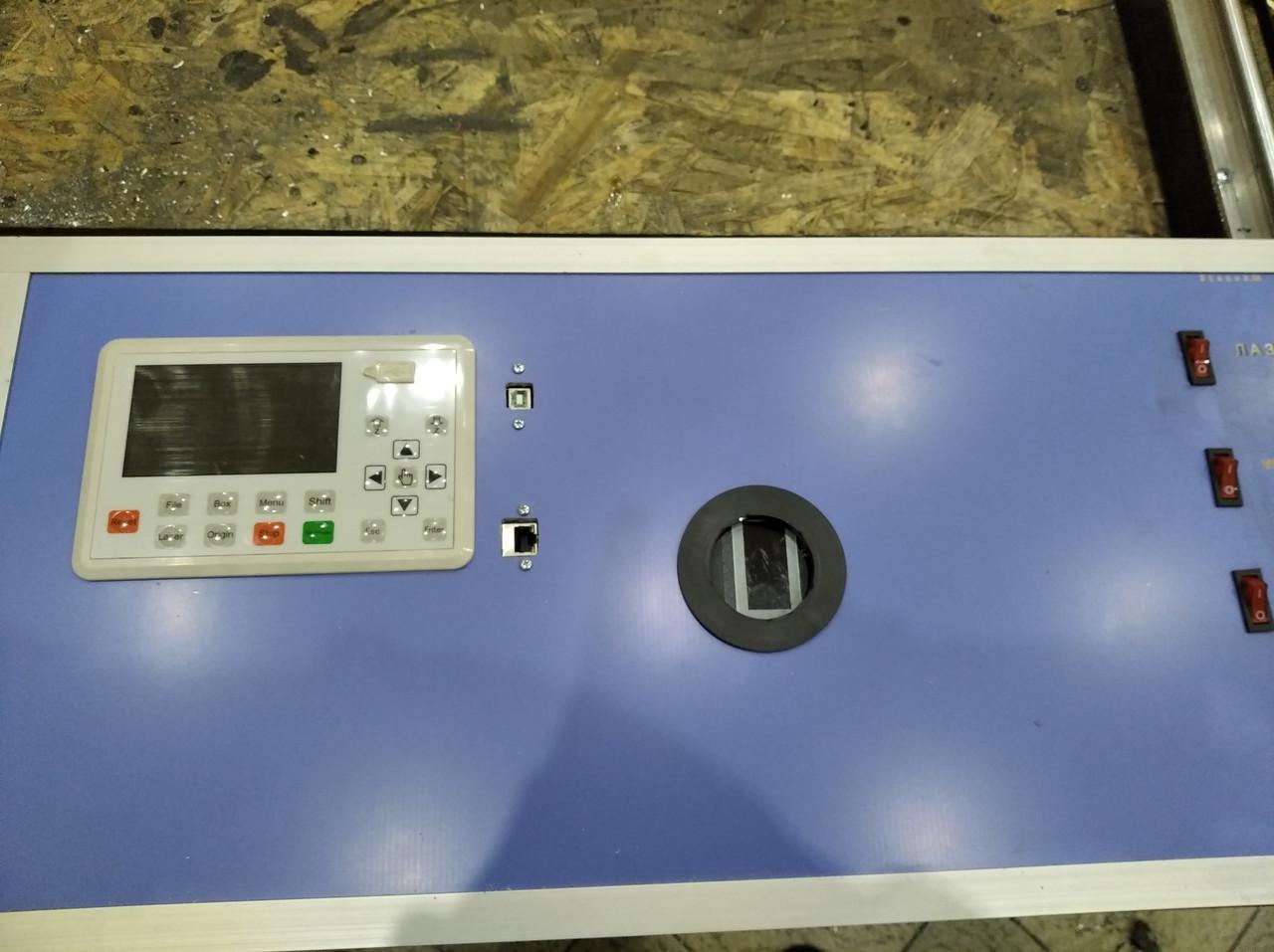 Лазерный станок с ЧПУ, резак, гравер 100 Вт, поле 1550*800мм. СО2 100W