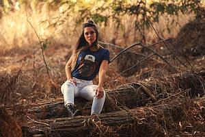 Актуальные модели женских футболок