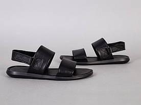 Сандалии мужские кожаные черного цвета на липучке