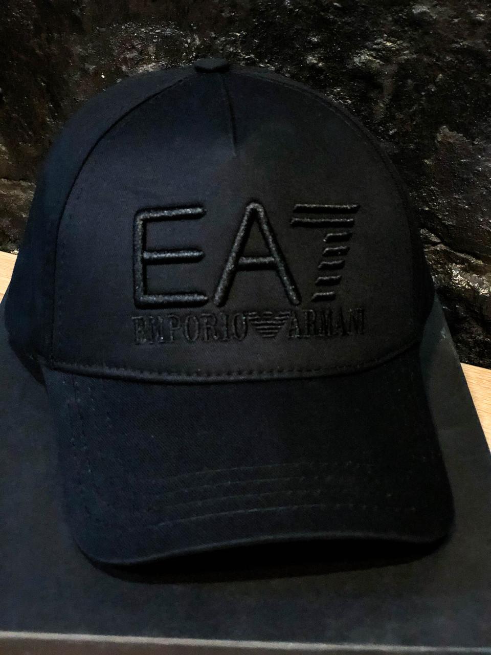 Кепка EA7 армани черная модная однотонная
