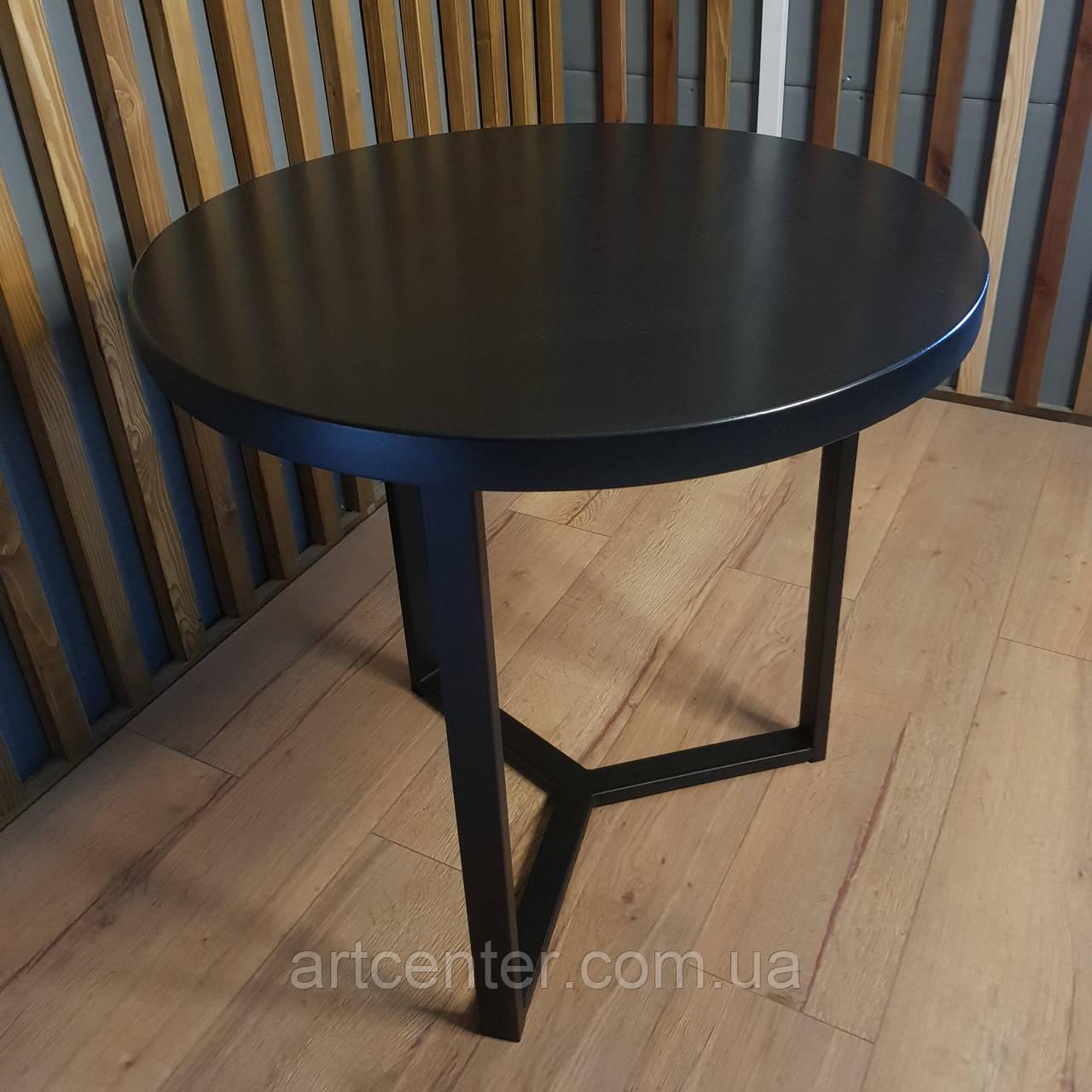 Круглый стол в черном цвете, столешница из натурального дерева
