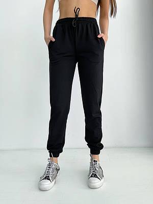 Черные трикотажные спортивные штаны женские
