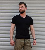 Мужская черная футболка однотонная, вырез мыс, фото 1
