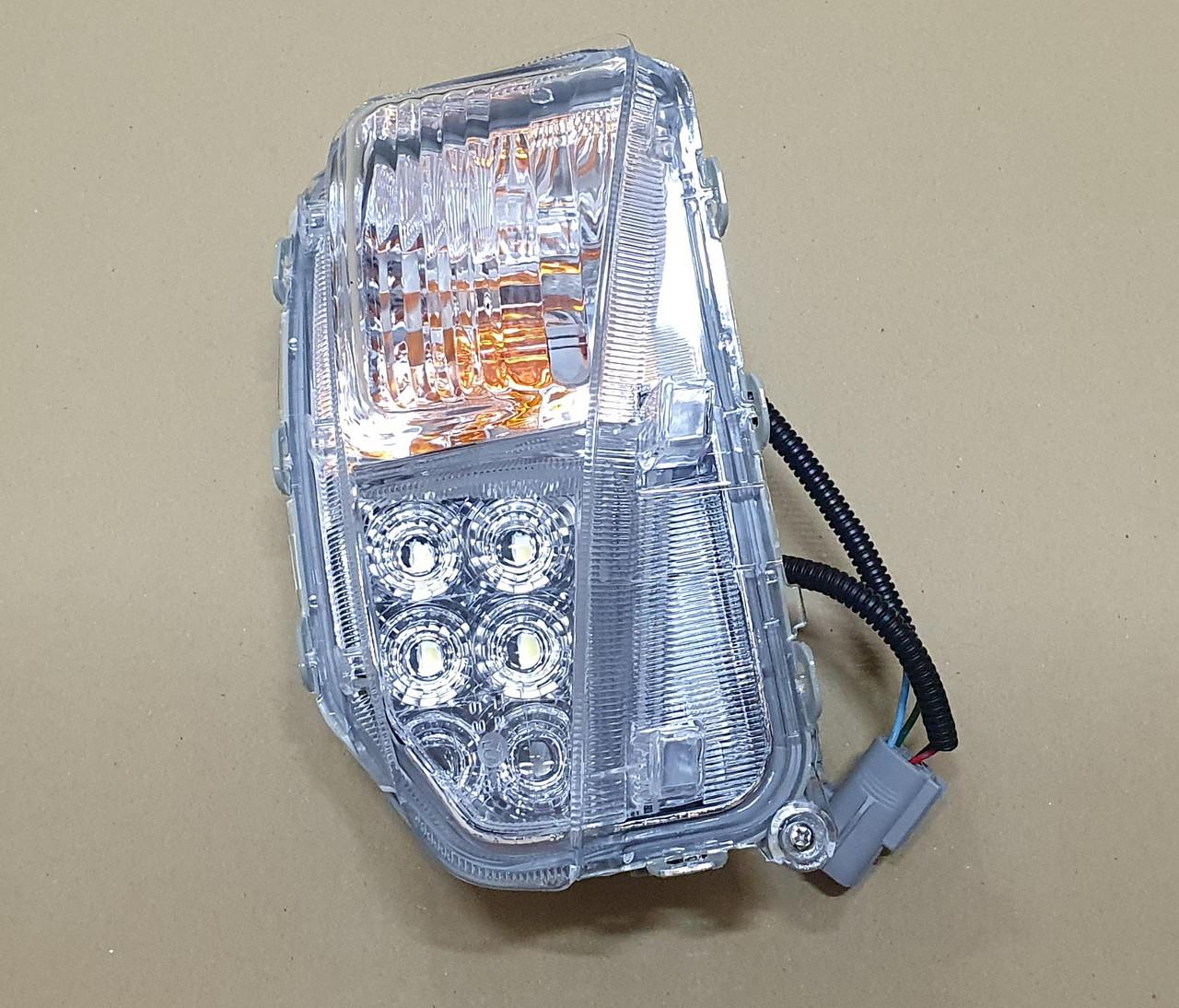 Протитуманна фара Toyota Prius 12-15 LED ліва Depo 8152147050