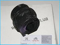 Втулка стабилизатора перед на Peugeot Partner 1.6 HDi 10 - 24мм  CITROEN ОРИГИНАЛ 5094E4