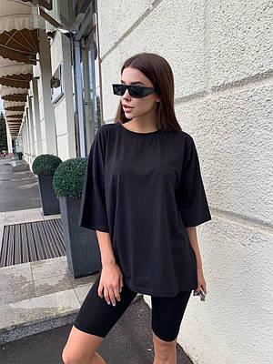 Жіноча вільна футболка чорна