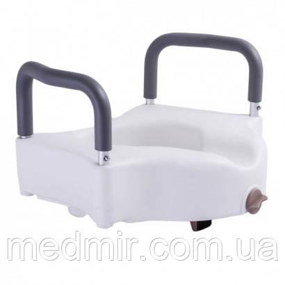 Высокое туалетное сиденье с фиксатором и сьемными поручнями