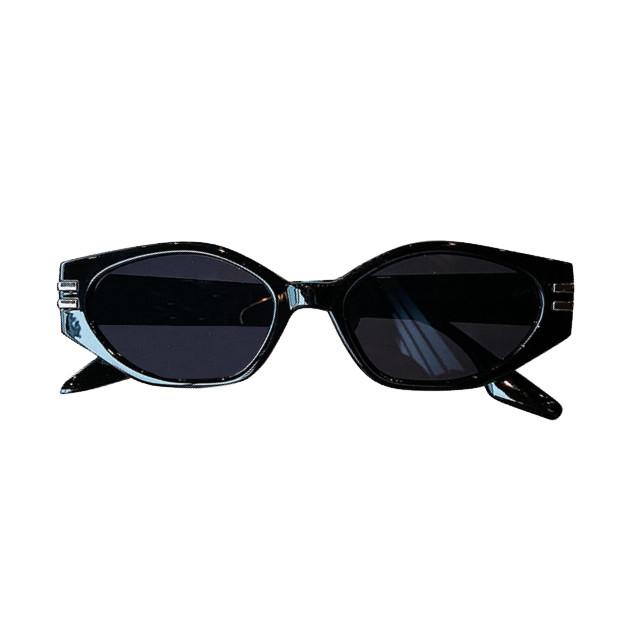 Сонцезахисні окуляри жіночі чорні 0984