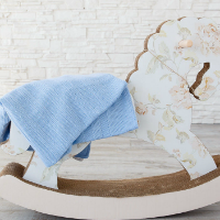 Вязаный плед-покрывало для детской кроватки