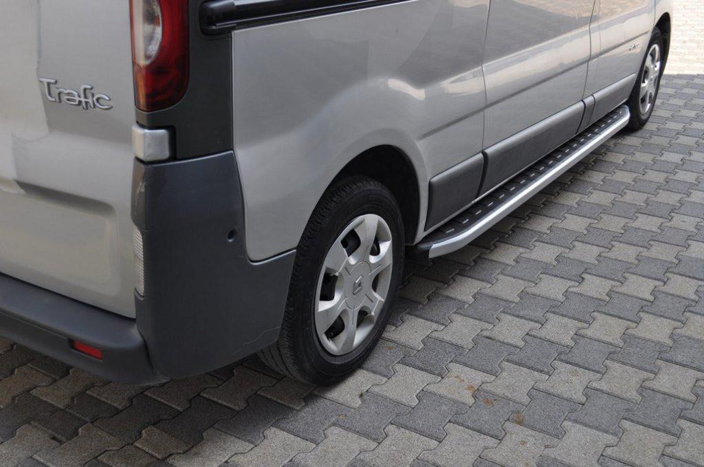 Боковые пороги Fullmond (2 шт, алюм.) Длинная база для Renault Trafic 2001-2015 гг.
