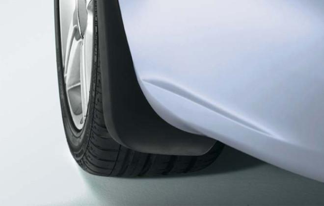 Брызговики задние для Audi A3 Sportback 2013 оригинальные 2шт 8V4075101