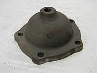 Крышка направляющего колеса ДТ-75, Т-150 (чуг.) (77.32.104А)