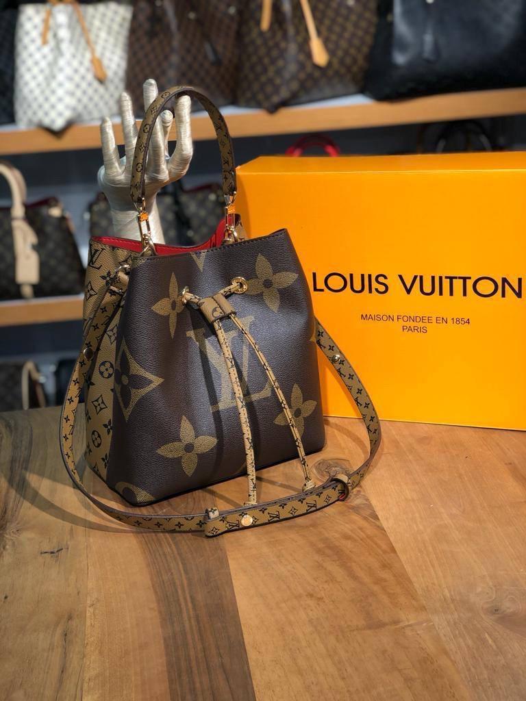 Женская сумка/сумка рюкзак/сумка бочонок/ сумка луи витон/ Louis Vuitton (люкс копия)