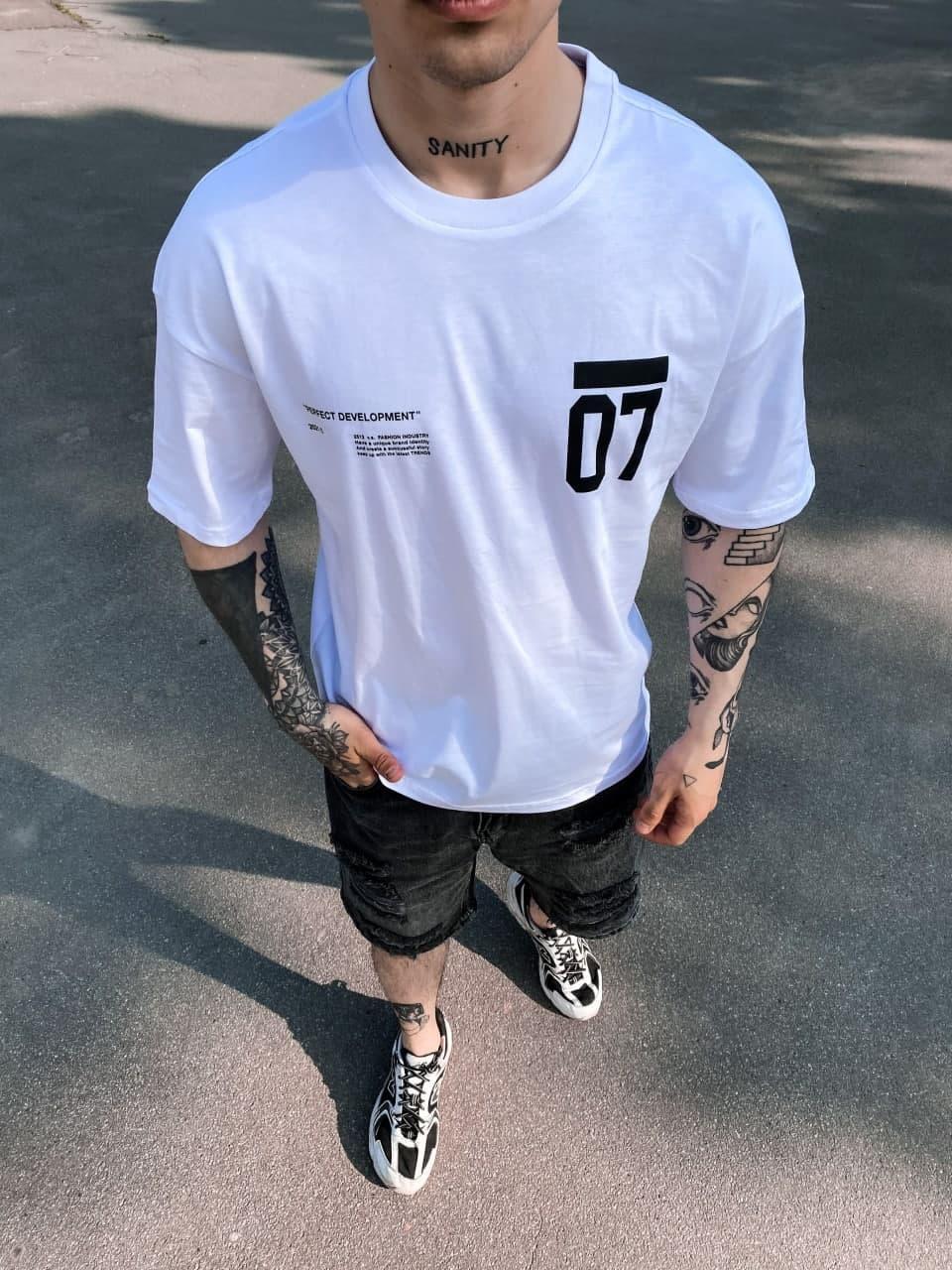 Белая футболка оверсайз мужская 07
