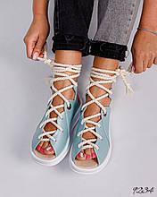 Женские голубые сандалии с шнуровкой на низком ходу