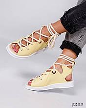 Женские желтые сандалии с шнуровкой на низком ходу