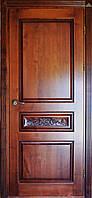 Двері міжкімнатні з різьбленими елементами, масив дуба