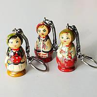 Брелок українка в етнічному одязі , мініатюрний живопис, дерево , метал . 4,5х1,5 см., фото 1