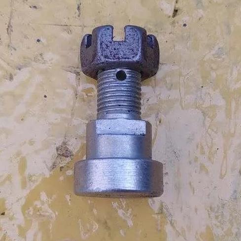 Болт власника ножа на роторну косарку КРН 2.1 з гайкою