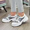 Кросівки жіночі на шнурівці, колір білий/літера, фото 4