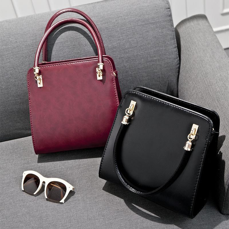 e70cad34fb9a Форменная женская сумка. Красивая классическая сумка. Модная сумка.  Интересная, молодежная сумка.