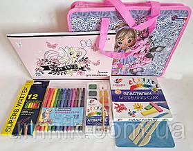 Подарок выпускнику детского сада - набор канцтоваров для девочки