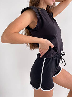 Короткі літні чорні спортивні шорти жіночі