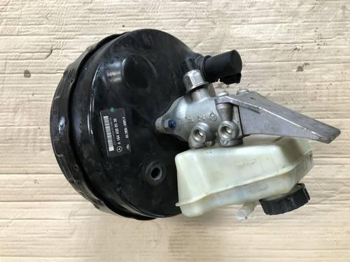 Вакуумный усилитель тормозов A1644300530 Mercedes gl ml x164