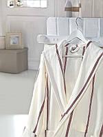 Красивый махровый мужской халат Majesty