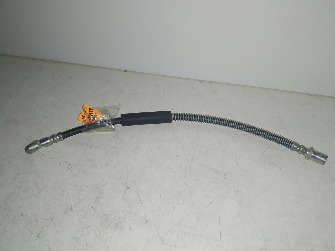 Шланг тормозной передний короткий Ваз Нива 2121-21213 Венгрия